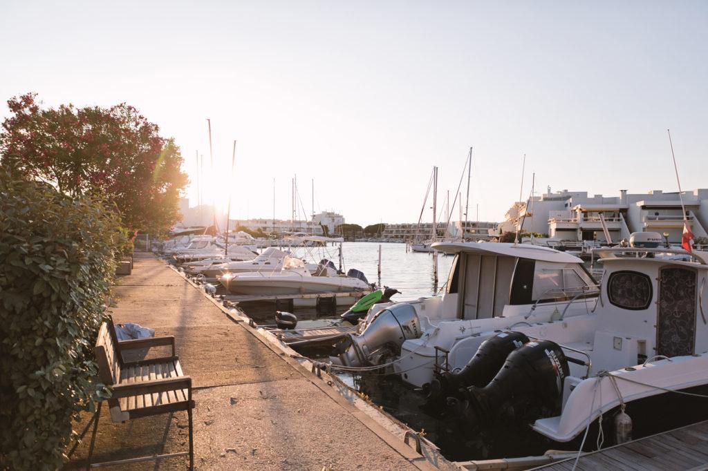 NS Guesthouse - Marina haut de gamme à Port Camargue France - Le ponton